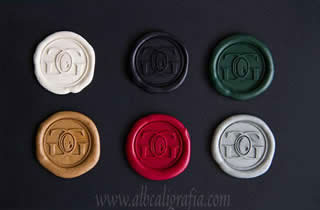 6 assorted color sealing wax medallions to seal bottles