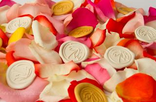 Sealing wax stickers in spring colors combined with flower petals